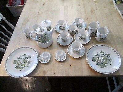 VINTAGE FIGGJO TURI MARKET - Large Lot Made in Norway - 23 Pieces Green on White