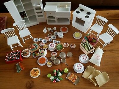 dolls house kitchen with lots accessories
