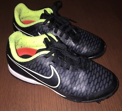NIKE Junior Support Magista Boys Size 1 Football Trainers