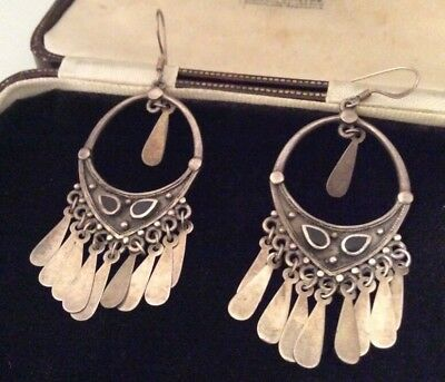 Vintage Jewellery Gorgeous Sterling Silver & Onyx Dangling Suarti Style Earrings