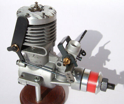 model engine Super Tigre G21/40 third version 1963