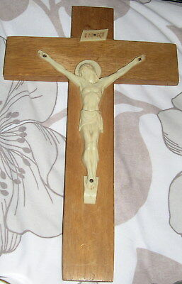 Vintage Wall Mounted Wooden & Plastic Crucifix.