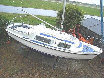 Cabin Cruiser 28' Motor Boat Sailer. May Px Or Swap Most Things Considered W.h.y