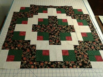 Quilt top unfinished Log Cabin Christmas