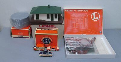 Lionel Assorted Buildings and Accessories (4) LN/Box