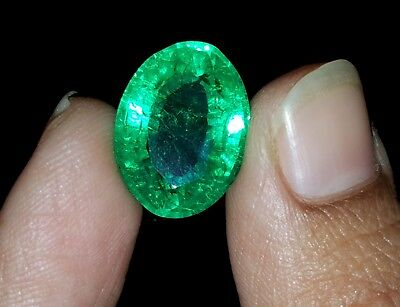 Certified Fantastic Oval Shape 8.32 Ct Natural Colombian Emerald