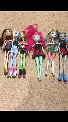 Bundle of Monster High dolls