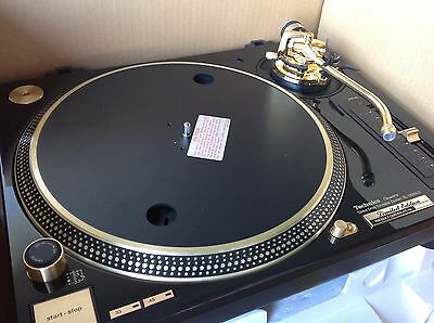 2x Technics SL1200GLD DJ Turntable Limited Edition 24k Gold Plated very rare