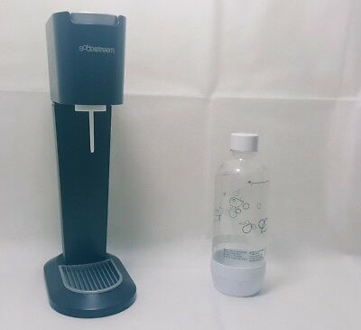 soda stream with gas canister and bottle