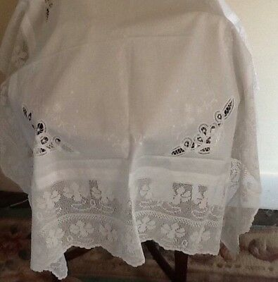"46"" Vintage Tablecloth With9"" Deep Hand crochet Edge Of.flowers And Embroidery"