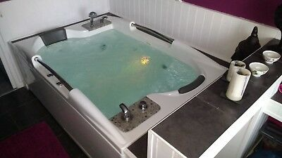 Luxury Double Jacuzzi Bath