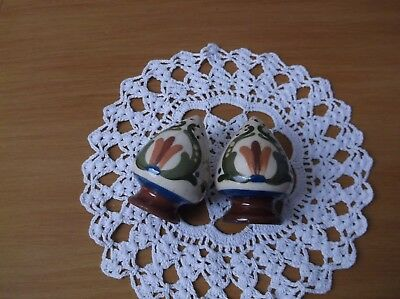 Torquay ware Scandy pattern salt and pepper in good condition