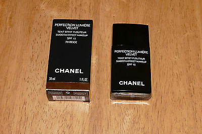 CHANEL Perfection Lumiere Velvet 20 Beige 30ml (almost full)