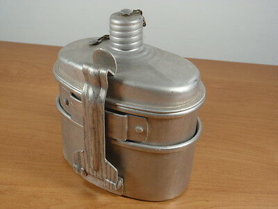 Army Soldiers Tin Water Canteen  Bottle and  Mees Kit