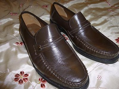 Men's Vintage - The Shoe Tailor- Brown all leather loafer size 9 New