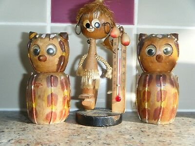 VINTAGE COLLECTABLE KITSCH RETRO 1950's WOODEN OWL SALT & PEPPER + THERMOMETER