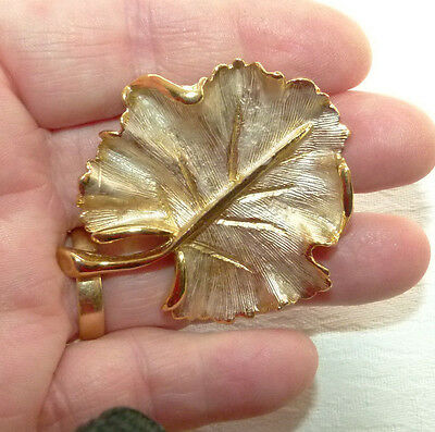 Jewellery Gold Tone Metal Water Lily Leaf Brooch, Pink Frosting 969
