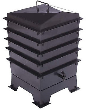 BLACK DELUXE WORMERY KIT, 4 x Stacking Tray, Composter,Worm Treats, Compost NEW