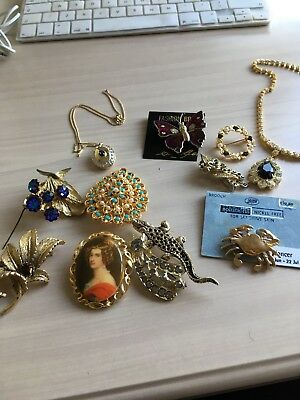 Bungle Of Vintage Costume Jewellery 9 Brooches 2 Necklaces