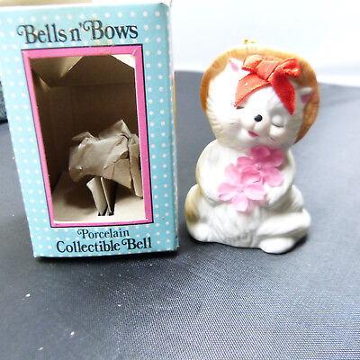 Collectible Giftco Bells n' Bows CAT Christmas Ornament Ceramic Bell (b22)