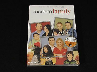 New Modern Family: The Complete First Season (DVD, 2010, 4-Disc Set) Sealed