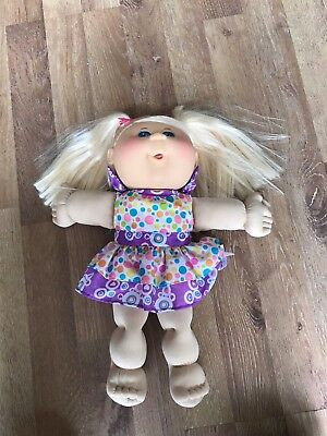 CABBAGE PATCH KIDS Doll blonde Hair  Original CPK Clothes 2012