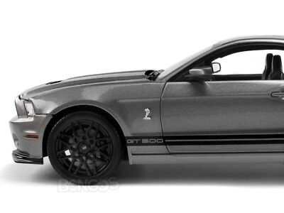 2013 Shelby GT500 (Mustang) 1:18 Scale Diecast Model Car