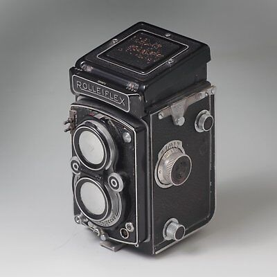 Rolleiflex  TLR Film Camera with 75 mm Tessar 3.5  lens and Mirrored cap