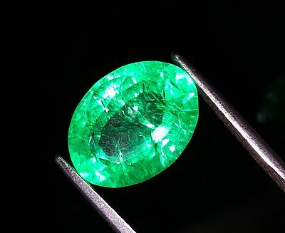 Certified Beautiful Oval Shape 7.82 Ct Natural Colombian Emerald