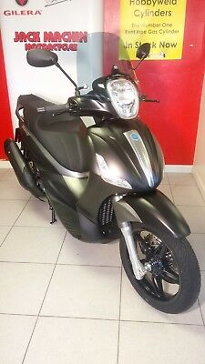 Piaggio Beverly 350 - ONLY 104 MILES From New!!