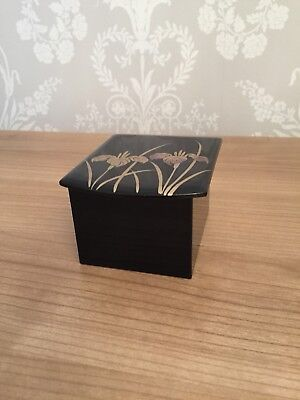 Japanese Music Box - Wooden Lacquered Black & Gold