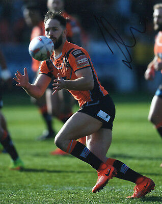 """Luke Gale Hand Signed Castleford Tigers 10"""" x 8"""" Rugby League Photo."""