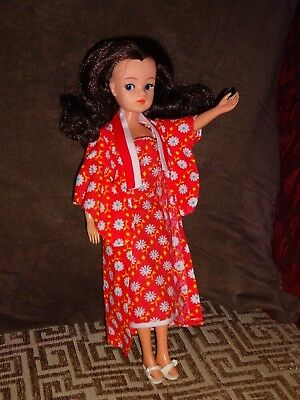 Sindy doll (brunette)