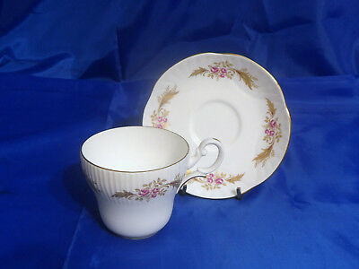 Vtg CROWN STAFFORDSHIRE CUP & SAUCER Gold Leaves, Rose Pansy, Ribbed, Scalloped