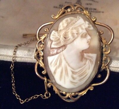Vintage Jewellery beautful victorain Real Carved Shell Cameo pinchbeck brooch
