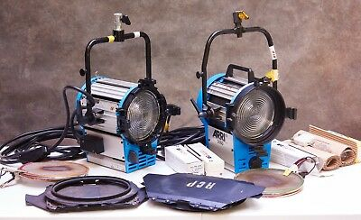 Two Arri 2K 2000w Professional Fresnel Tungsten Lights w/ Barn Doors and Scrims