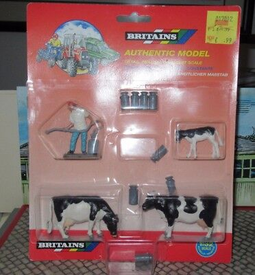 BRITAINS AUTHENTIC MODEL DAIRY SET No. 7185 SCALE 1:32