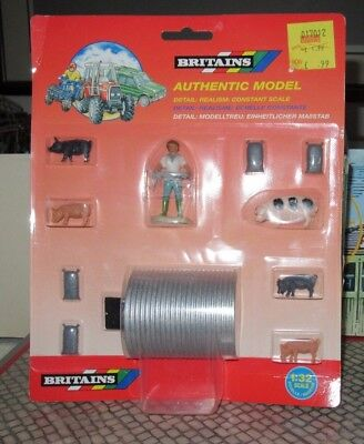 BRITAINS AUTHENTIC MODEL ANIMAL SHELTER No. 7187 SCALE 1:32