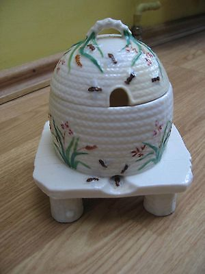 Belleek Honey Pot (1890s / 1900s)