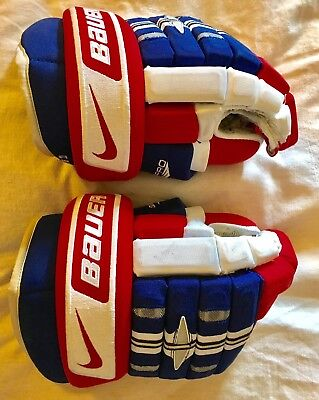 Montreal Canadiens Game Worn Hockey Gloves - Higgins