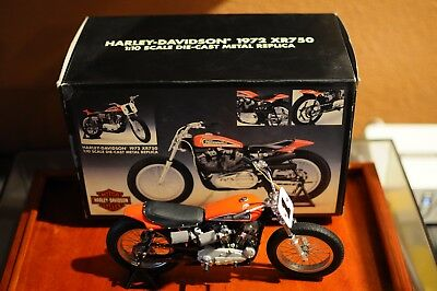 Harley Davidson RARE 1972 XR750 1:10 Scale Collectible Motorcycle