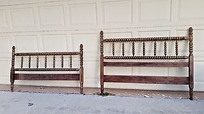 Vintage Antique Collectible Wood Turned Spindle Head Foot Board Full Size Bed