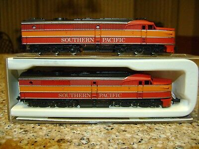 Con-Cor PA-1 Diesel Locomotive + Dummy Diesel Southern Pacific N-Scale Pre-owned