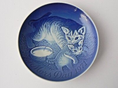 Highly Collectable Bing & Grondahl Mothers Day Plate - 1971 Cat with Kitten