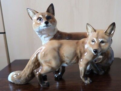 Stunning Large Hutschenreuther Study Of Two Foxes Rare And Perfect Condition