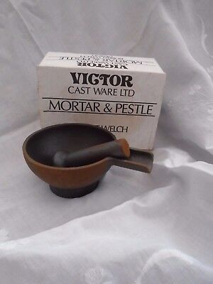 Robert Welch Design  Victor Black Cast Iron Pestle & Mortar British Made Boxed