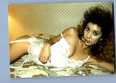 Found Risque Photo S+4363 Pretty Woman In Lingerie Laying On Bed