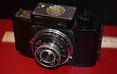 SMENA  - USSR photo camera  1953 - 1962   \   in  leatherette case \   35 mm