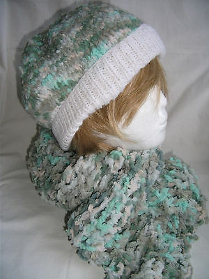 Hand-knitted Hat and Scarf  – Ref 1294