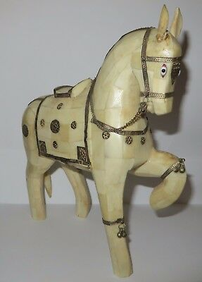 Horse of white bone and metal ornaments / Cavallo bianco d'osso simil avorio XIX